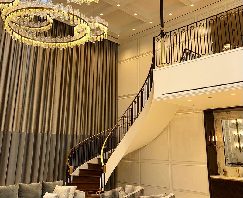 Stylish Ideas For Decorating Staircase