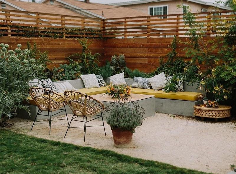 Easy & Attractive Decor Ideas For Backyard