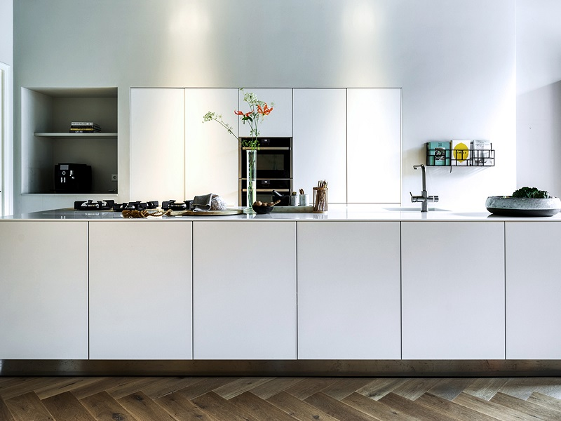 Refurnish Your Kitchen In Minimalist Style