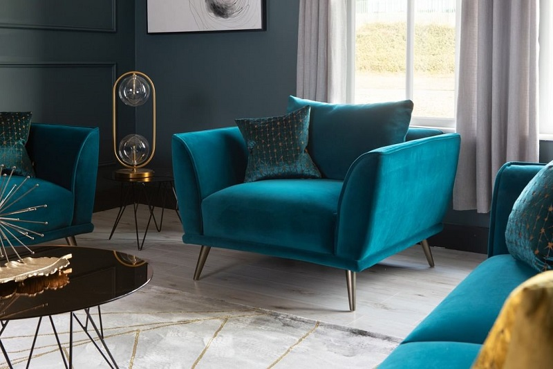 On-Trend Colorful Armchairs That Will Boost Dramatic Décor