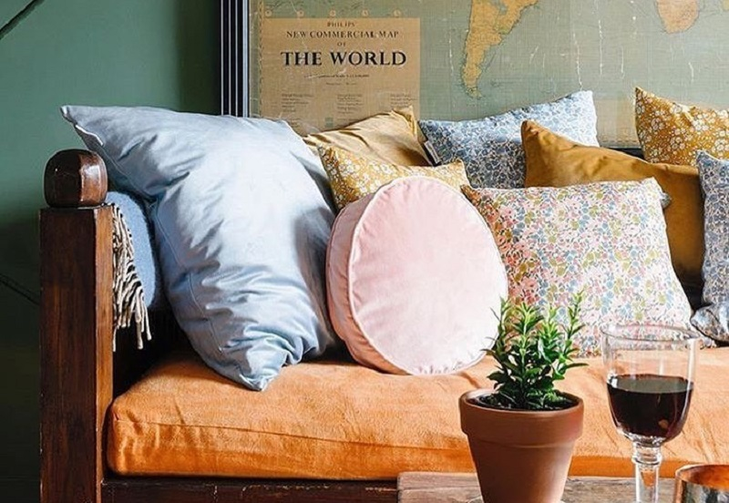Fancy Shaped Cushions To Uplift Attractive Look Of Home