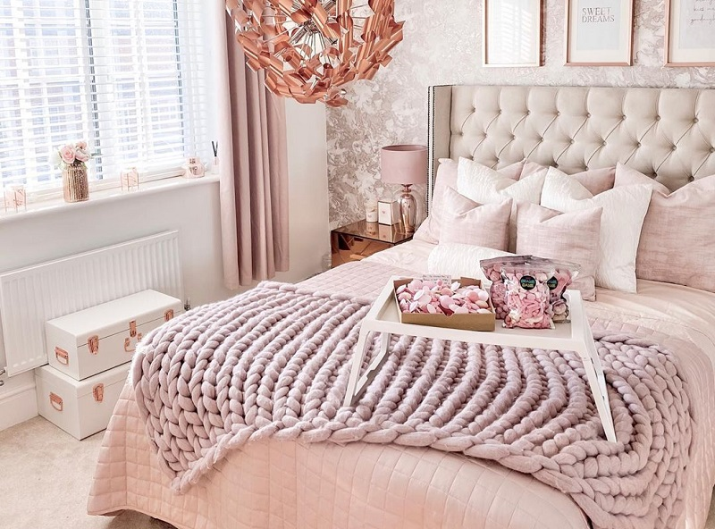 Best Romantic Decoration Tips For Bedroom