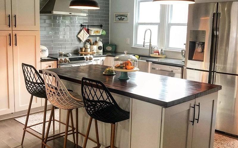 Inspirational Fresh Makeover Ideas For Island Kitchen