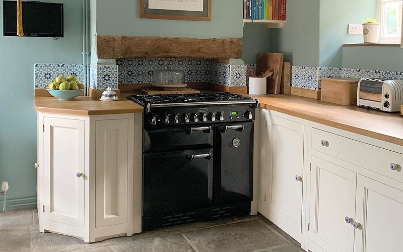 How To Organize Small Kitchen Space Effortlessly