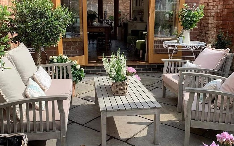 Budget-Friendly Makeover Ideas For Backyard Space