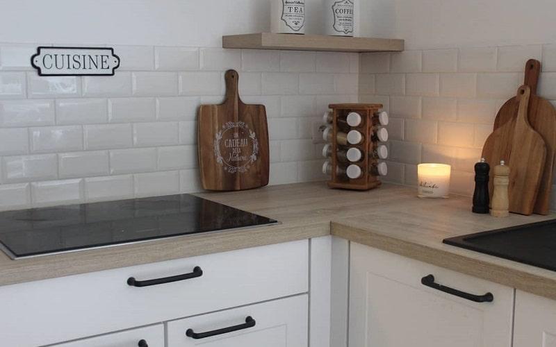 Excellent Materials For Kitchen Backsplash Finishing